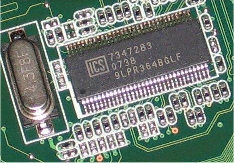 Il generatore di clock PLL Phase lock loop ics9lpr364bglf